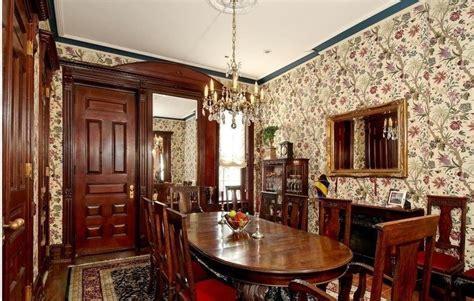 Brownstone Living Room Layout английская классика в интерьере квартиры и загородного дома