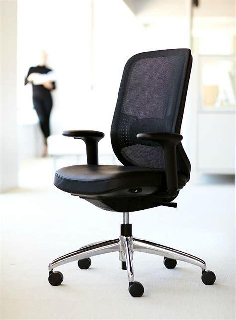 iidex 2012 projek task chair by teknion and orangebox