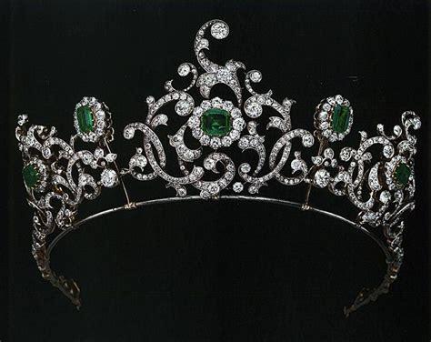 Du Tiara les 543 meilleures images du tableau crowns tiaras and royalty sur bijoux royaux