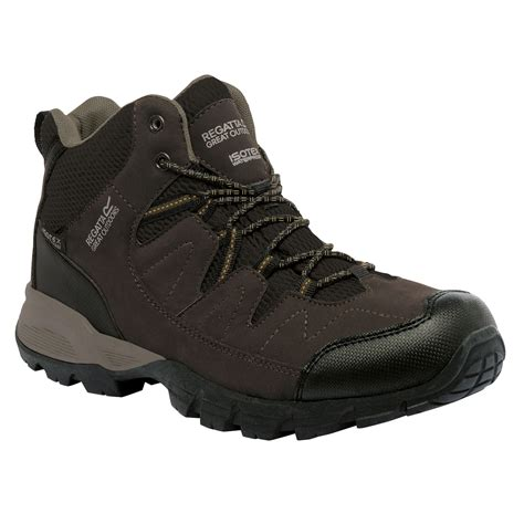 regatta mens walking boots regatta great outdoors mens holcombe mid waterproof
