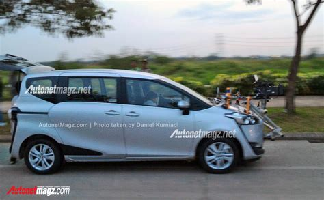 Harga Indonesia harga toyota sienta indonesia autonetmagz review