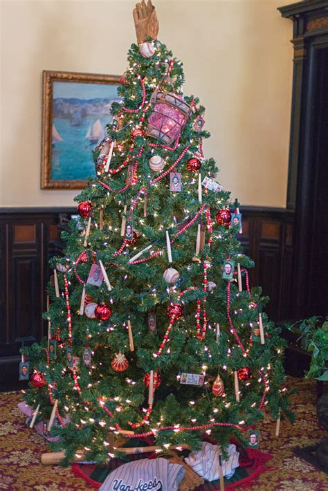 images of victorian christmas trees baseball christmas tree victorian christmas stroll