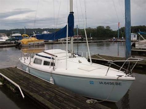 swing keel sailboats for sale catalina 22 swing keel 1982 dubuque iowa sailboat for
