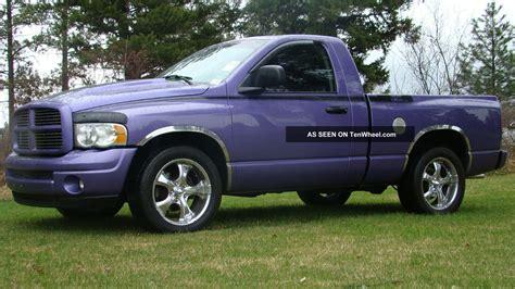 Two Door Trucks by 2004 Dodge Ram 1500 Slt Standard Cab 2 Door 5 7l