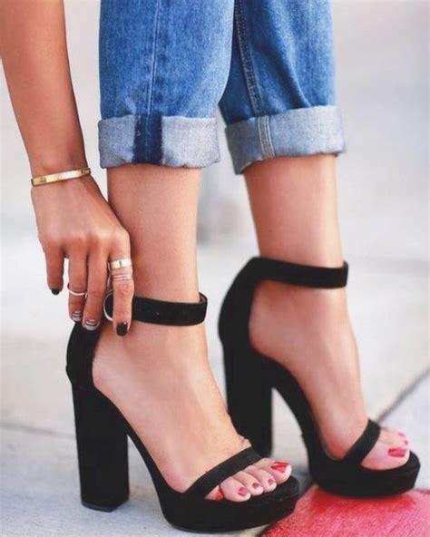 con tacones y a 8416489491 las 25 mejores ideas sobre tacones gruesos en zapatos negros de tac 243 n tacones