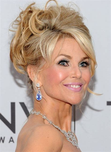 christie dutton hair style celebrity hairstyles 2011 christie brinkley in messy