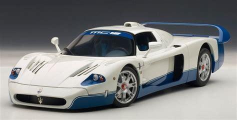 autoart 1 18 maserati mc12 in pearl white model car in 1