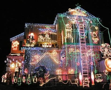 install christmas decorations on roof decorations for rooftop billingsblessingbags org