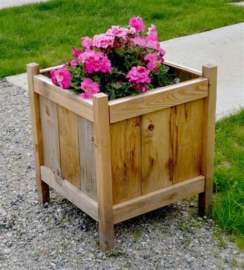 Inexpensive Planter Boxes by Diy Easy Inexpensive Planter Boxes Sue Design