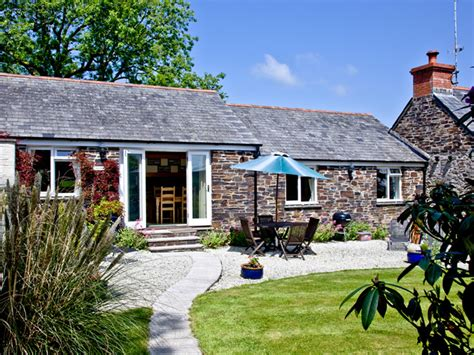 Weekend Cottages In Cornwall by Cottage Cornwall For Families Sleeps 4