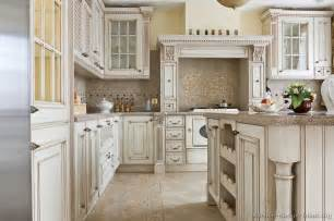 Vintage Kitchen Island Ideas 17 Best Images About Maple Cabinet Kitchen On Traditional Diy Tiles And Islands