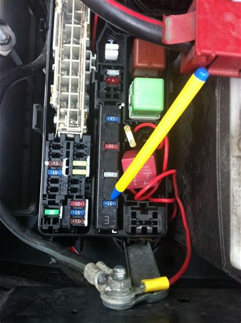 hilux small black un labled 2 pin fuse from the