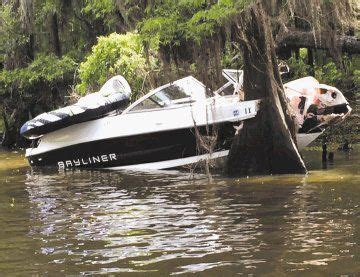 ski boat wreck 4 injured in fourth of july boat wreck on caddo lake