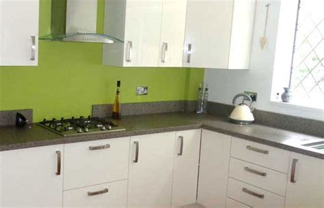 Kitchen Glass Upstands by Should I Choose Splashbacks Or Upstands Diy Kitchens