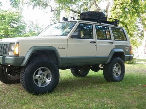 spray painting jeep xj the spray rattle can paint xj army post up jeep