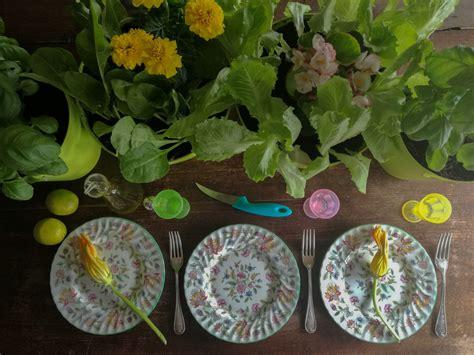 fiori da davanzale dal davanzale al piatto insalata e fiori blossom zine