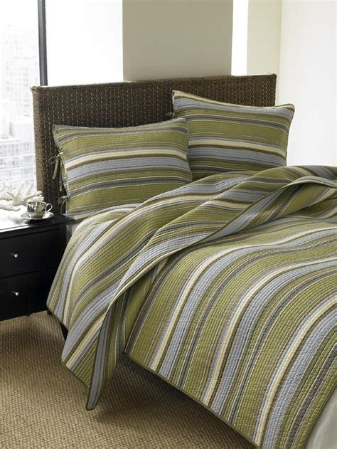 king and queen bedroom decor best king and queen size quilts for your bedroom decor infobarrel
