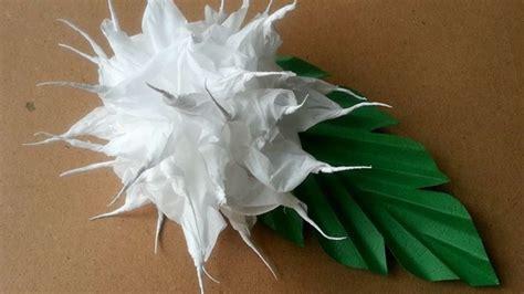 fiori con fazzoletti di carta crea dei graziosi fiori coi fazzoletti di carta fai da