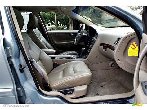 2001 Volvo V70 Interior by Taupe Interior 2001 Volvo V70 Xc Awd Photo 66129173