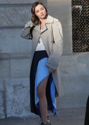 Catwalk To Photo Shoot Cbell In Louis Vuitton On The Cover Of Espana by Miranda Kerr Photoshoot For Louis Vuitton In