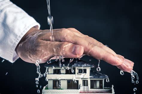 Wasser An Der Decke Was Tun by Erste Hilfe Bei Wasserschaden Was Ist Zu Tun