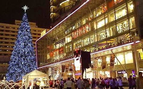 feiert thailand new year the new year celebrations in thailand will see more than