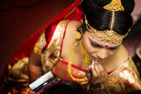 Wedding Album Design In Kolkata by Creative Wedding Photography And Cinematic Videography