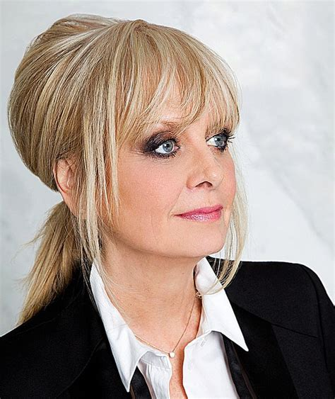 twiggy hairstyles for women over 50 twiggy quot the style rules have changed women over 50 are