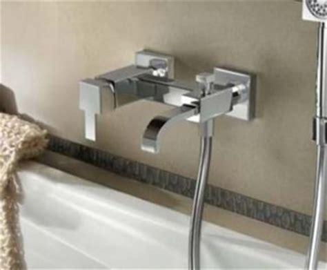 montare vasca da bagno come installare i rubinetti vasca da bagno gli impianti