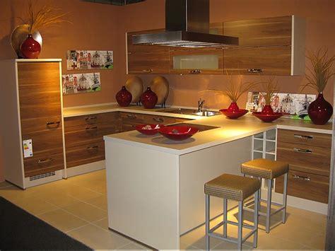 küchenschränke preise kleines l 228 ngliches schlafzimmer einrichten