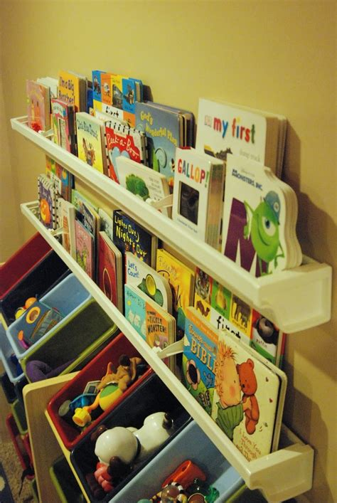 Childrens Book Shelfs by Best 25 Kid Bookshelves Ideas On Diy Kid