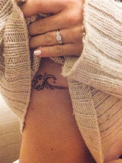 tattoo on pam oliver finger the 25 best rib cage tattoos ideas on pinterest tattoos