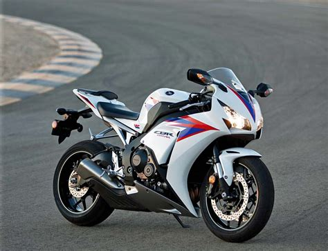 bmw 1ooorr honda cbr1000rr updated for 2012 171 motorcycledaily