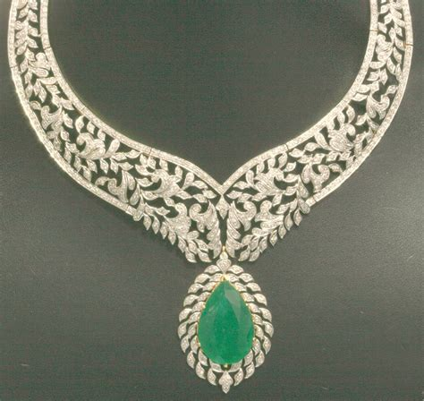 emerald necklace jewelry photo 30684431 fanpop