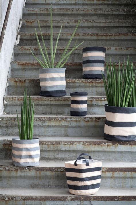 Interior Flower Pots by Flower Pots Can Transform Any Garden Or Interior