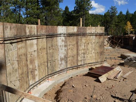 poured concrete walls back to retaining walls thermopour
