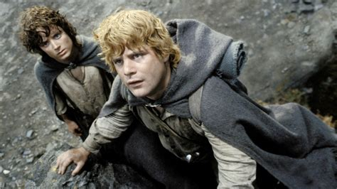 amazon lord of the rings lord of the rings series moving forward at amazon variety