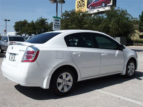 white nissan sentra 2012 nissan sentra 2009 white sedan gasoline 4 cylinders front