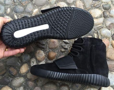 Kets Yezzy Bost Glitter Black adidas yeezy 750 boost pirate black yeezy boost adidas 750 boost and