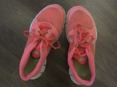 washing athletic shoes how to wash your running shoes thoughts and pavement