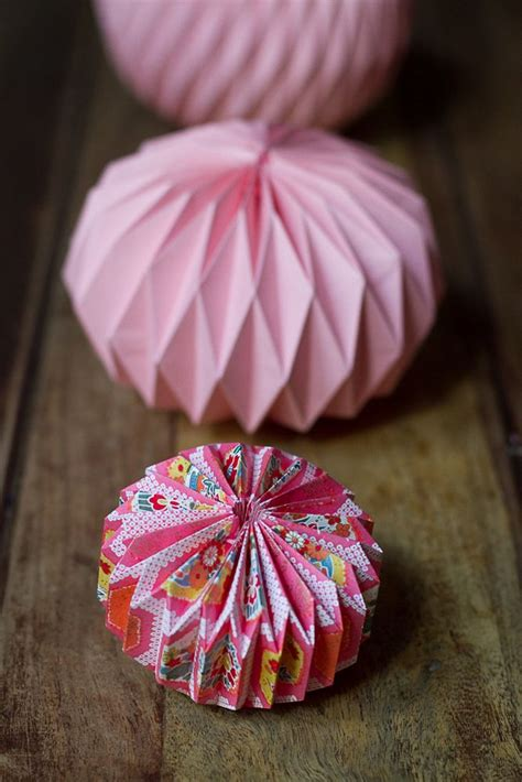 Paper Balls Craft - diy origami paper folding