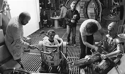anthony daniels hates d 233 c 232 s de kenny baker alias r2d2 critique film