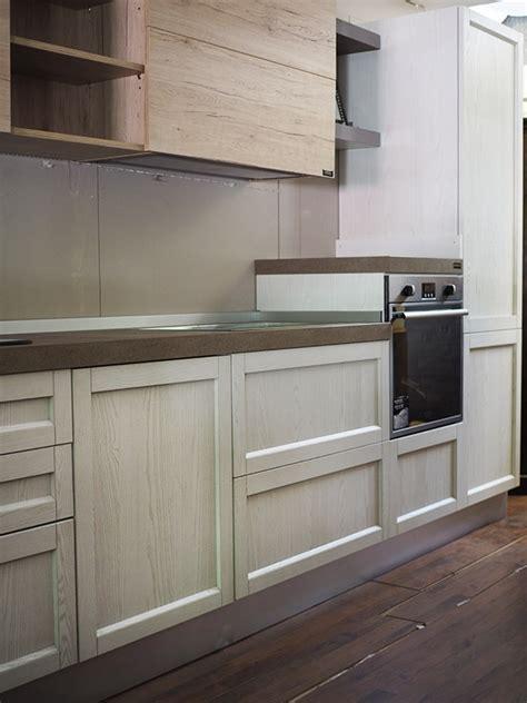 cucine in legno prezzi cucina legno white con penisola movibile prezzo outlet in