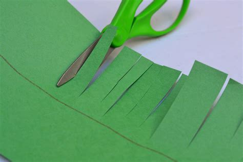 How To Make Grass Out Of Paper - a crown of grass