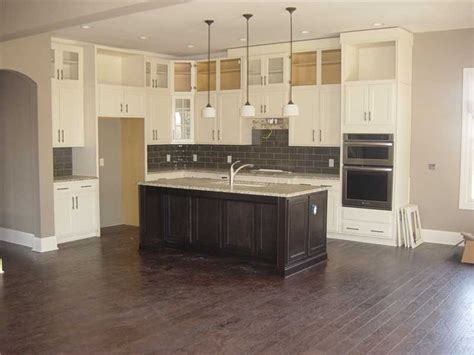 kitchen cabinets to ceiling pictures kitchen cabinets to the ceiling kitchen