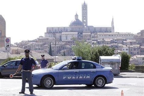 questura di grosseto ufficio passaporti polizia controlli denunce sanzioni siena news