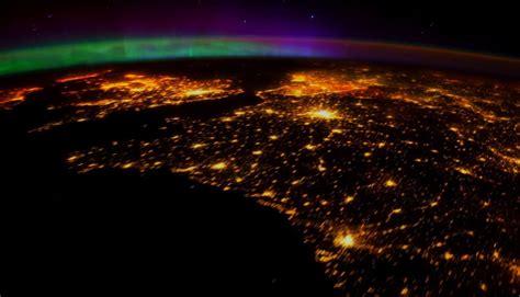 las imágenes mas impresionantes y perturbadoras del mundo reales nasa impresionantes auroras boreales en el espacio en 4k
