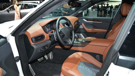 Maserati Of New York by Maserati Levante Makes U S Debut In Nyc