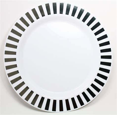 Plat Bordes Aerox Silver 1 casino silver 10 1 4 quot white w silver slit design plastic