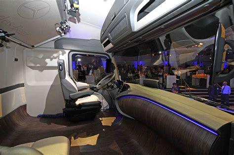 future mercedes truck mercedes benz future truck 2025 makes its debut at the iaa